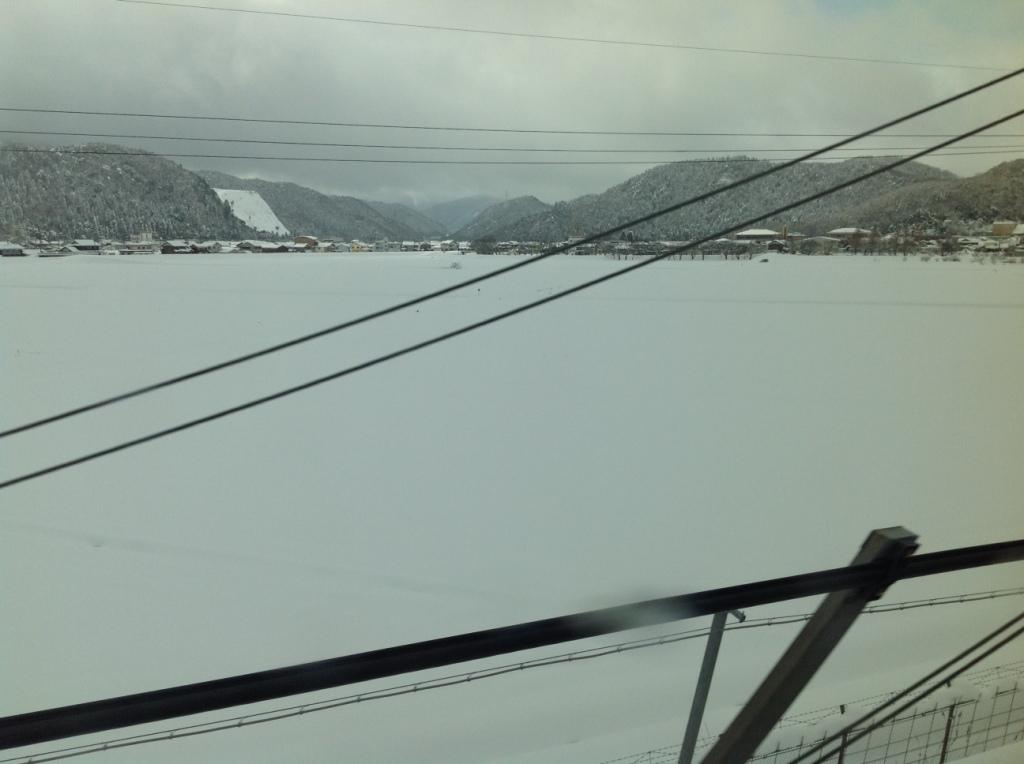 新幹線から見た米原の雪景色
