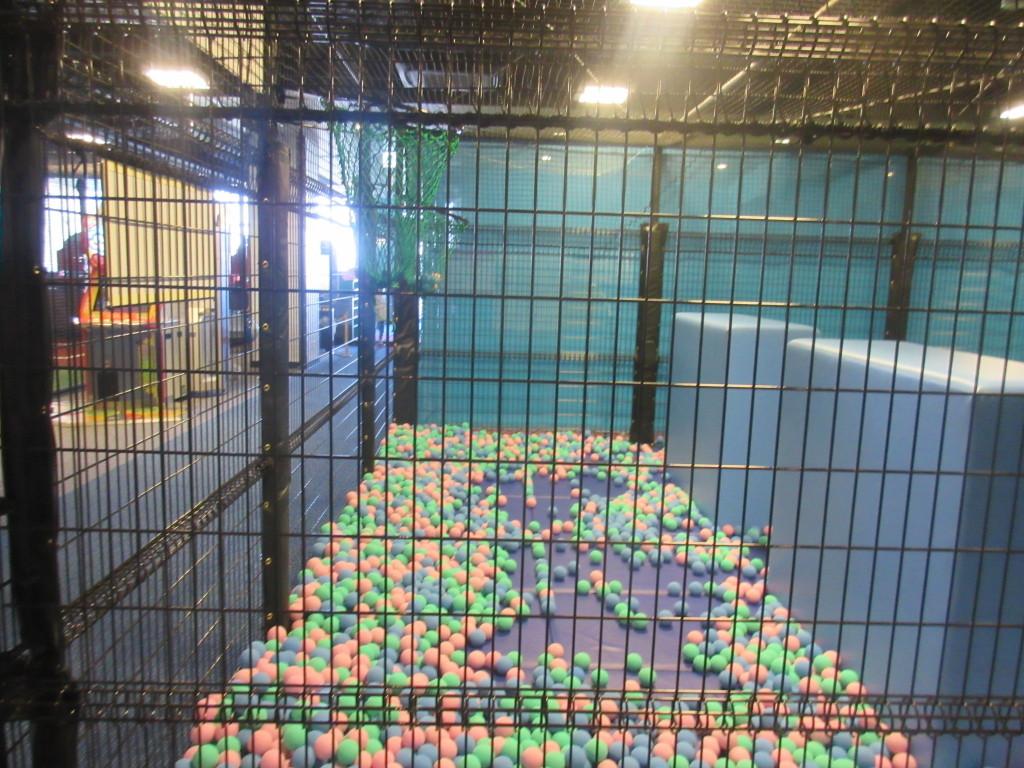スポッチャのボールプール