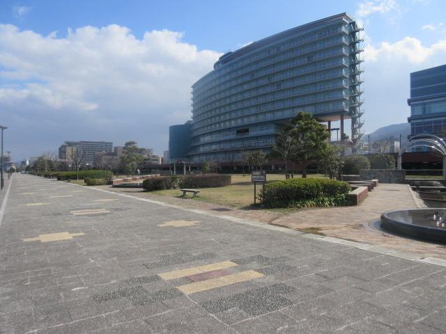 琵琶湖側から見た琵琶湖ホテル