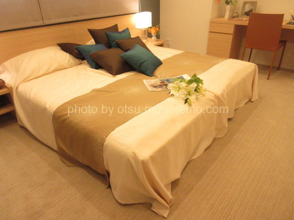 シャリエ大津中央モデルルームの主寝室