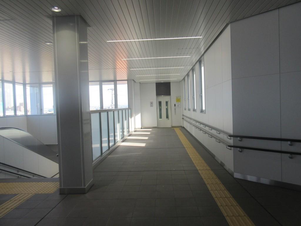 膳所駅のホール