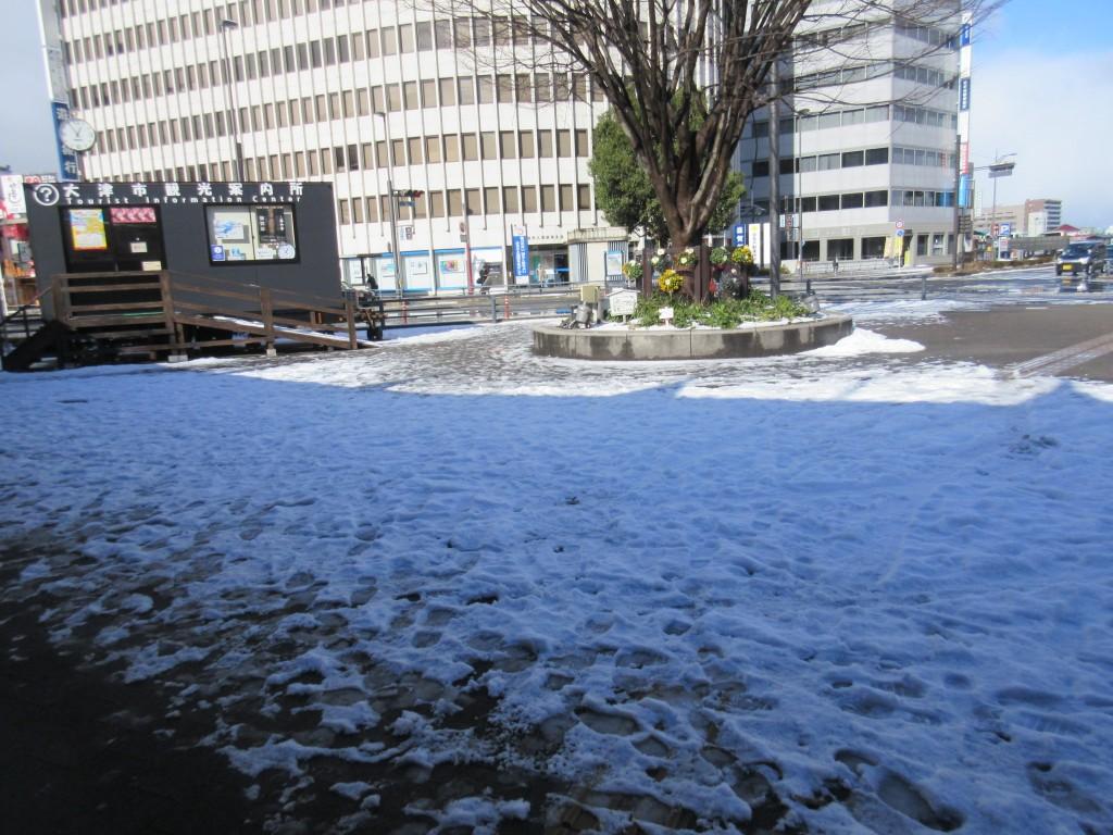 大津駅前の雪