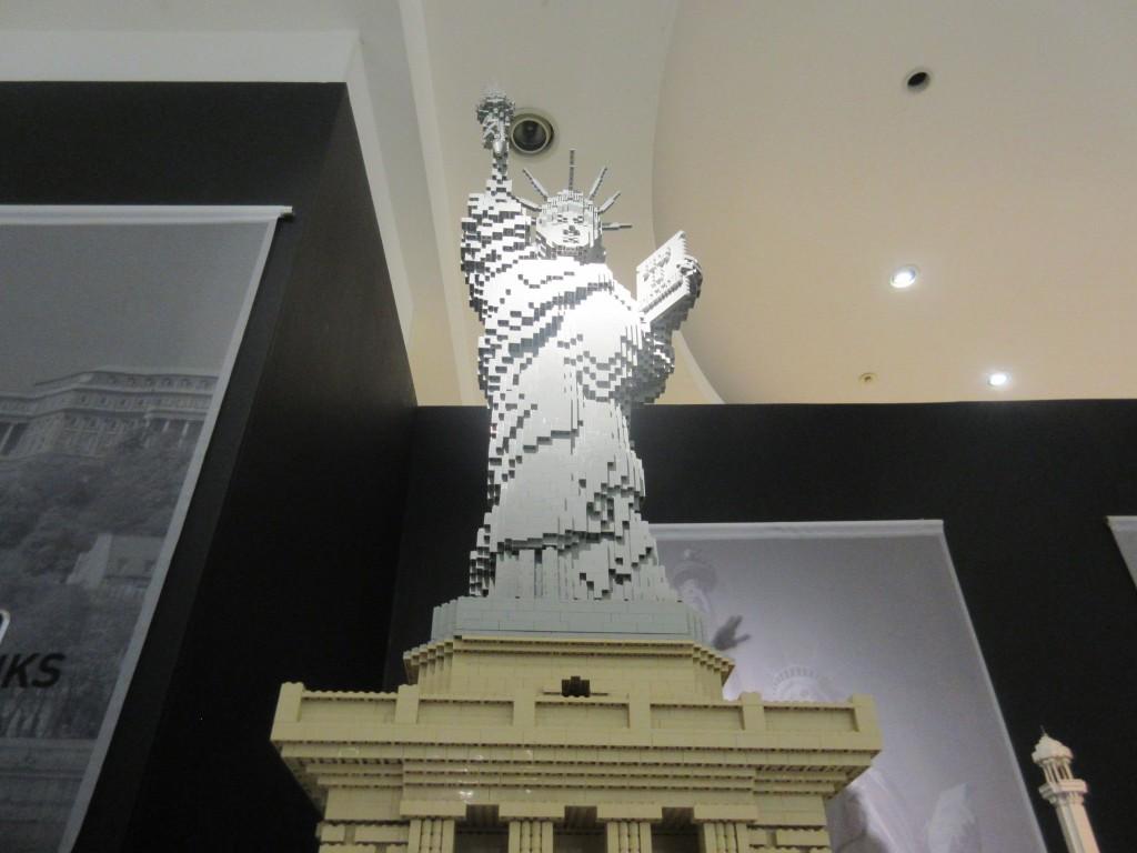 レゴでできた自由の女神像