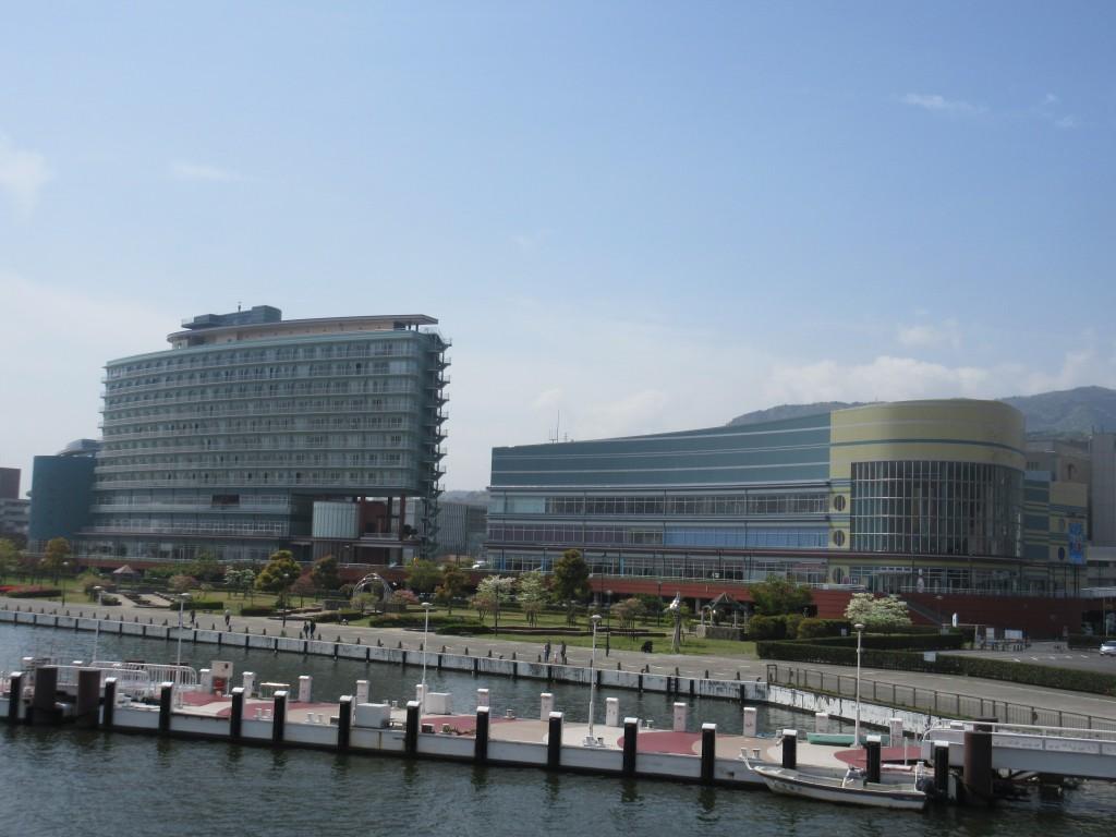 琵琶湖ホテルとアーカス