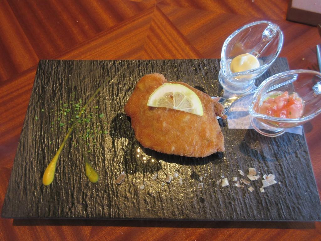 滋賀県産滋養豚のカツレツ 滋賀県産フレッシュトマトソース
