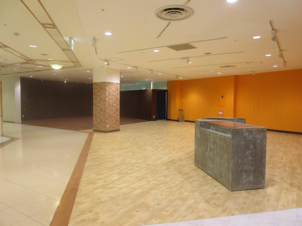 ガラガラのパルコ4階