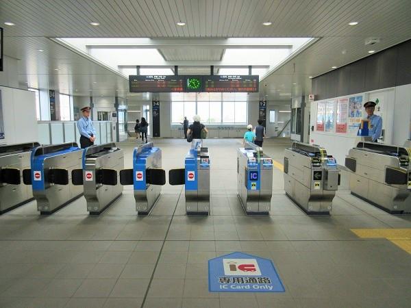 JR膳所駅の改札