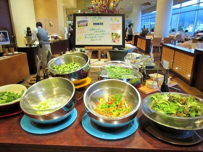 琵琶湖ホテルのバイキングのサラダ