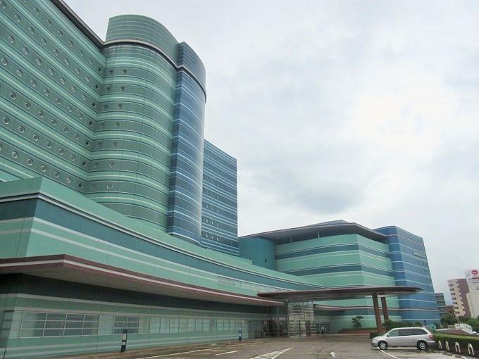 琵琶湖ホテルの正面