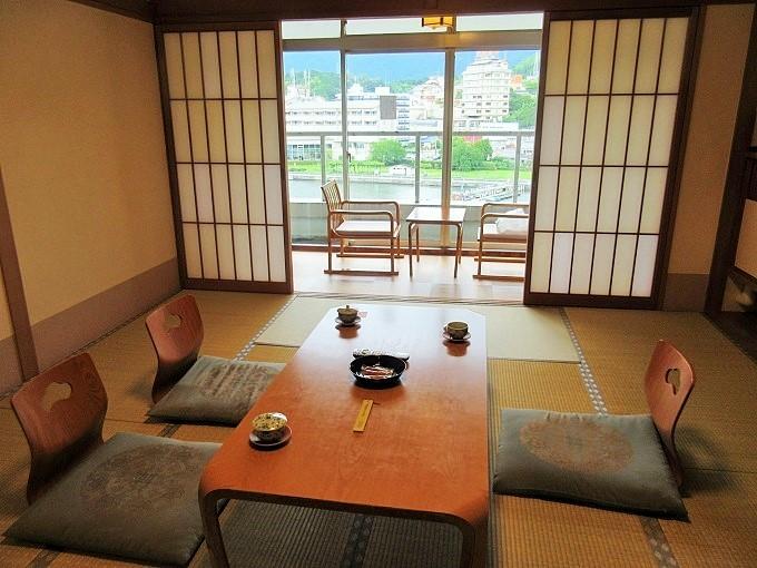 琵琶湖グランドホテルの部屋