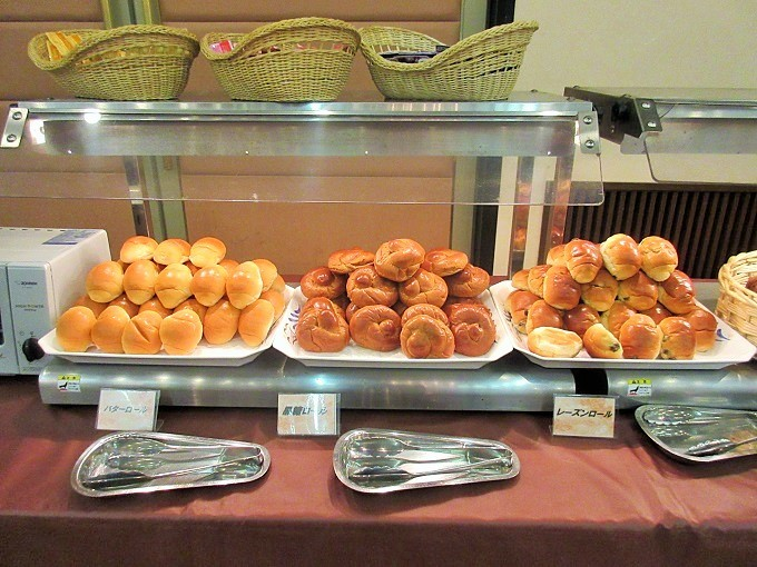 琵琶湖グランドホテルの朝食バイキングのパン