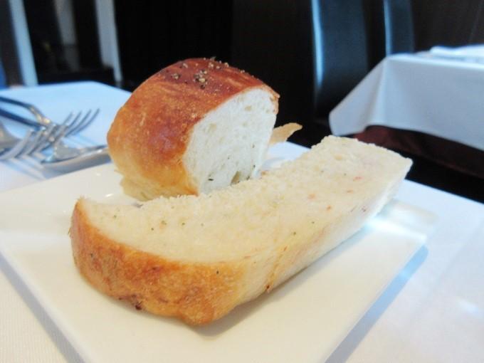 リストランテラーゴのパン