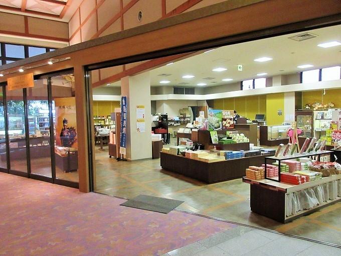雄山荘の売店