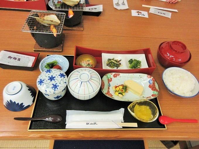 雄山荘の朝食