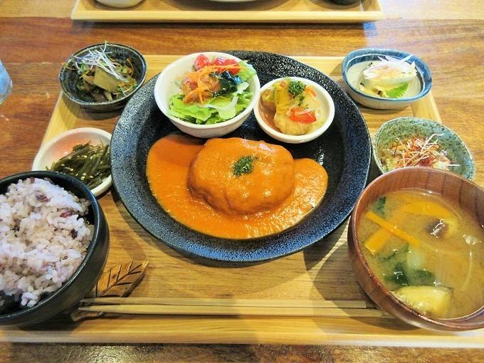 ブランチ大津京の豆腐ハンバーグ
