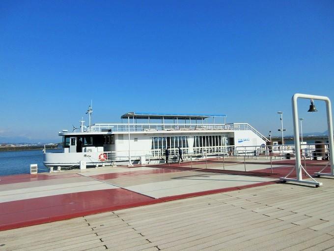 琵琶湖汽船のmegumi号