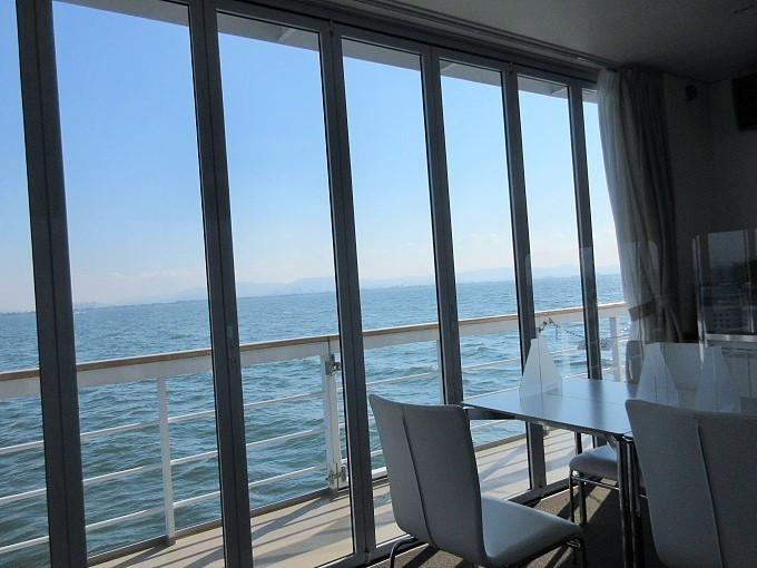 megumi船内から見た琵琶湖