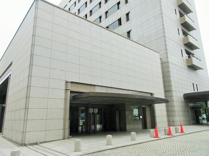 滋賀銀行本店