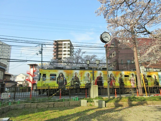 川口公園から撮影した京阪石坂線